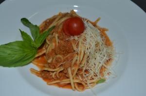 спагетти болонезе